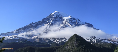 Mount Rainier, 4394m (14416ft) - Click to zoom