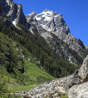 Cascade Canyon below Mt Owen - Click to zoom !
