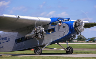 Daily passengers flight aboard EAA's Ford Trimotor