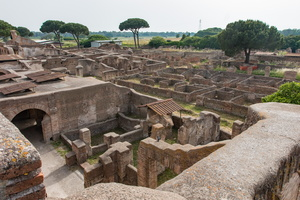 Standard houses from building of Serapis